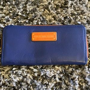 Marc Jacobs wallet cluth